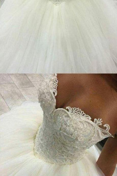 Gorgeous Pearls Ball Gown 2017 Sweetheart Lace Applique Beads Tulle Princess Wedding Dress M4651