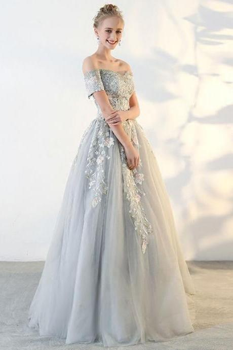 Sweetheart Neck Gray Tulle Long Lace Applique Senior Prom Dress With Short Sleeve M8235