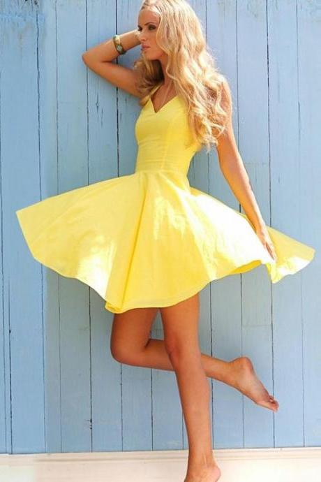 A-Line V-Neck Short Sleeveless Cute Yellow Satin Homecoming Dress M8237