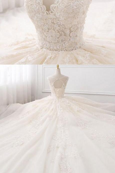 Fabulous Tulle Jewel Neckline Ball Gown Wedding Dresses With Lace Appliques M8346