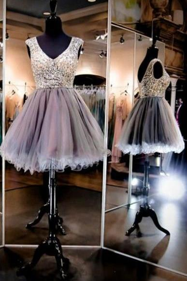 Charming Prom Dress,V Neck Short Prom Dress,Tulle Homecoming Dress,Crystal Beaded Prom Gown,Sexy Party Dress