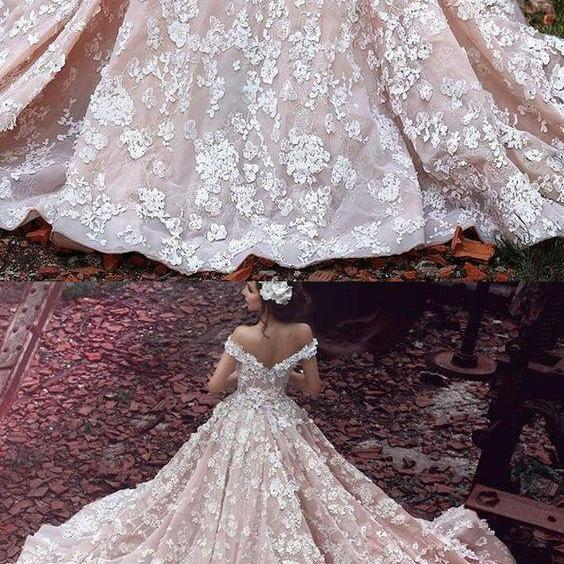 Luxurious Off Shoulder Watteau Train Short Sleeves Organza Wedding Dress with Lace M1884