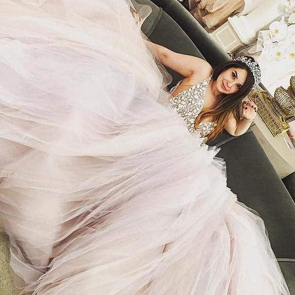 Shining Tulle Spaghetti Straps Neckline Ball Gown Wedding Dresses With Rhinestones M3487