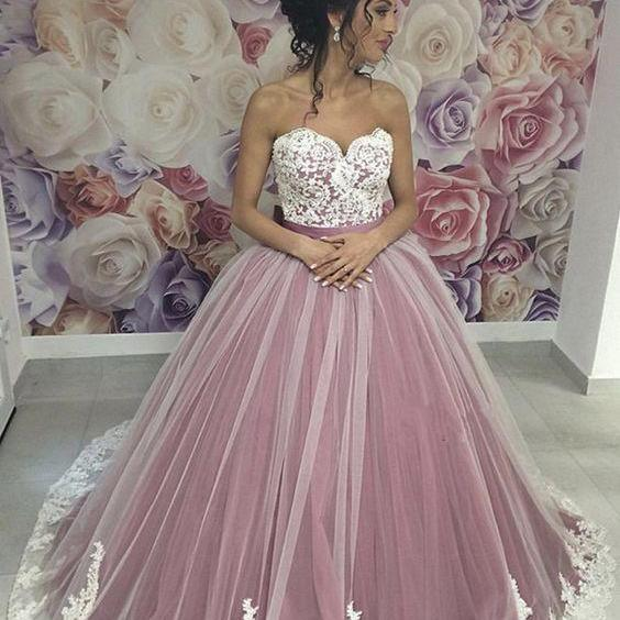Lace Appliques Sweetheart Tulle Ball Gowns Wedding Dresses M7115